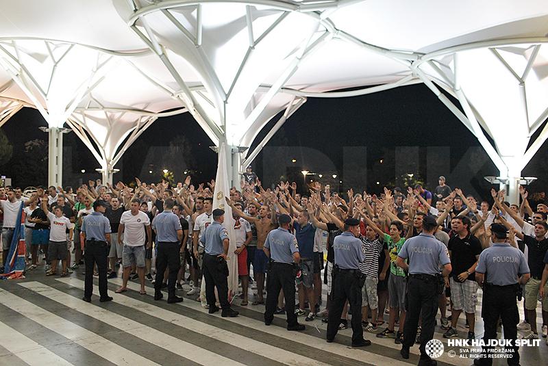 Hajdukovce dočekali navijači u zračnoj luci