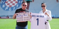 Supružnici iz Splita za samo četiri dana ispunili album ''Hajdučke priče''