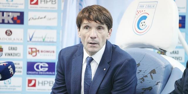 Konferencija za medije trenera Carrilla nakon preokreta u Vinkovcima