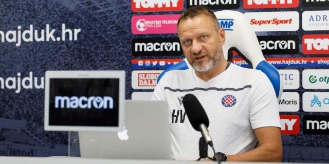 Konferencija za medije trenera Harija Vukasa uoči Hajduk - Varaždin
