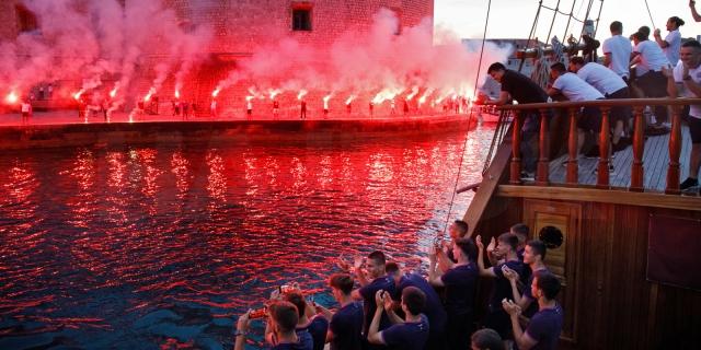 Hajduk u Dubrovniku: Veličanstven doček za Bijele u staroj gradskoj jezgri