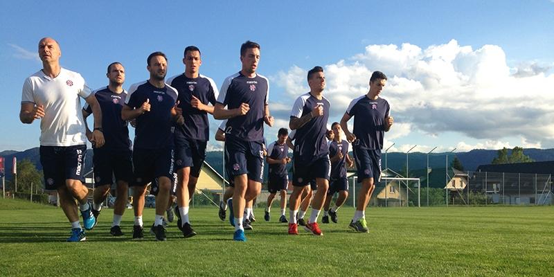 Uz pjesmu s tribine hajdukovci odradili prvi trening u Lescu