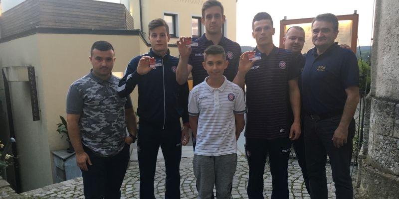 Hajdučkoj obitelji pridružili se Kožulj, Ćosić i Erceg