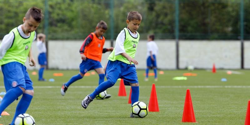 U Makarskoj započeo ''Nogometni kamp HNK Hajduk''