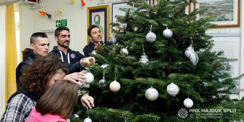 Hajdukovci posjetili štićenike Doma za djecu Maestral