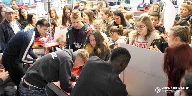 Players meet fans at Fan Shop Poljud