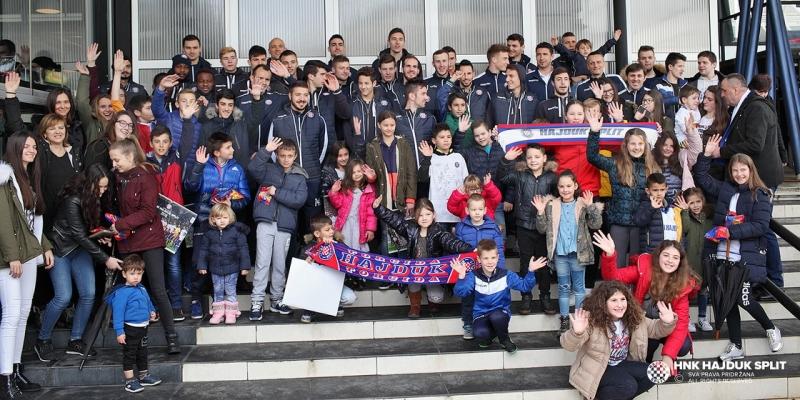 Hajdukovci na druženju s navijačima u Čapljini