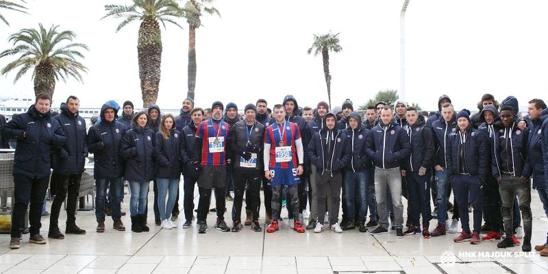 Igrači i stručni stožer dali potporu sudionicima 18. Splitskog polumaratona