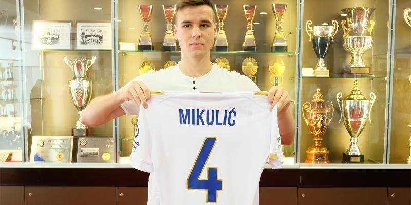 Božo Mikulić potpisao za Hajduk!
