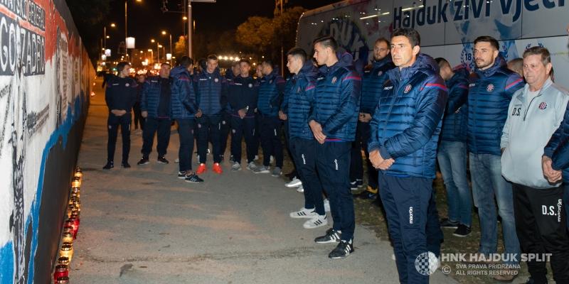 Hajdukovci zapalili svijeće u Vukovarskoj ulici