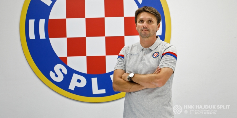 Siniša Oreščanin's coaching staff