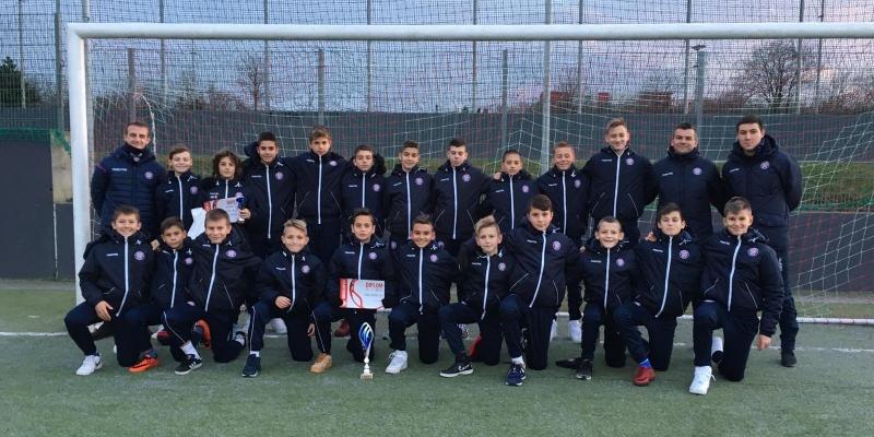 Mlađi pioniri osvojili turnir u Pragu, početnicima drugo mjesto