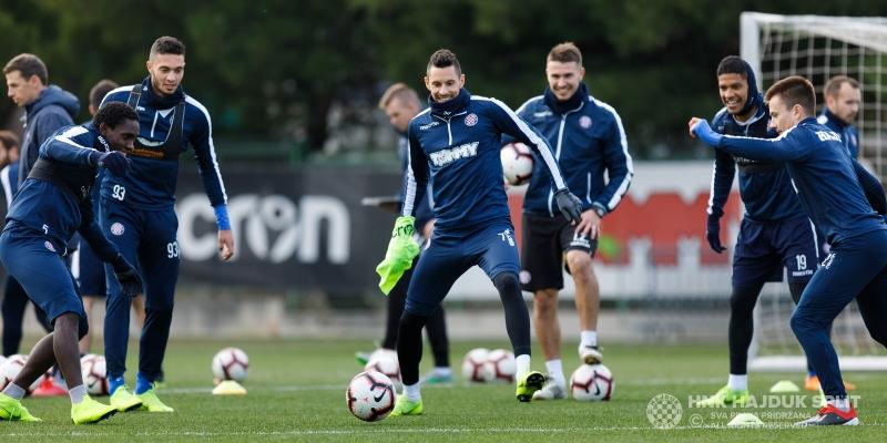 Bijeli se pripremaju za dvoboj s Dinamom