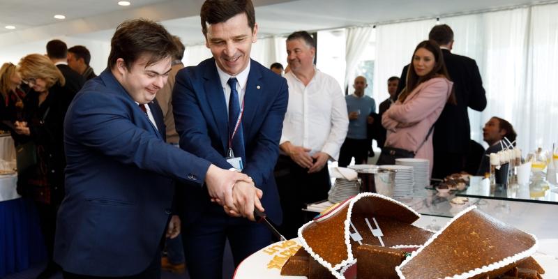 President Huljaj and Luka Bučević cut the birthday cake together