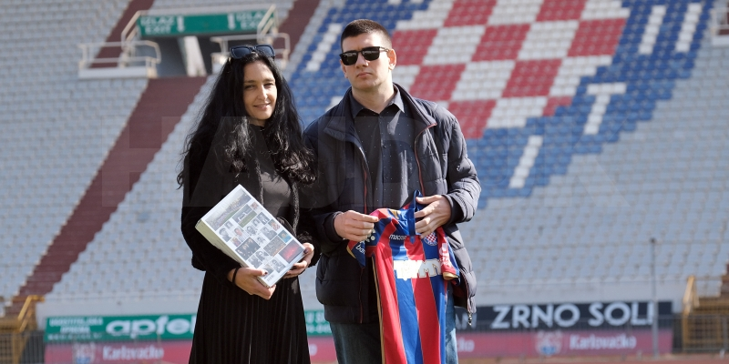 Luka Goreta primio poklone za jednu od najboljih čestitki za Hajdukov rođendan
