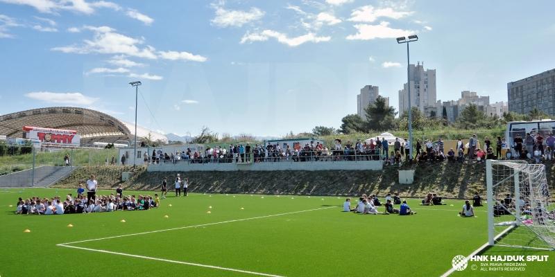 """Nekoliko stotina djevojčica i dječaka sudjelovalo na """"Danu zabave i sportske izvrsnosti"""""""