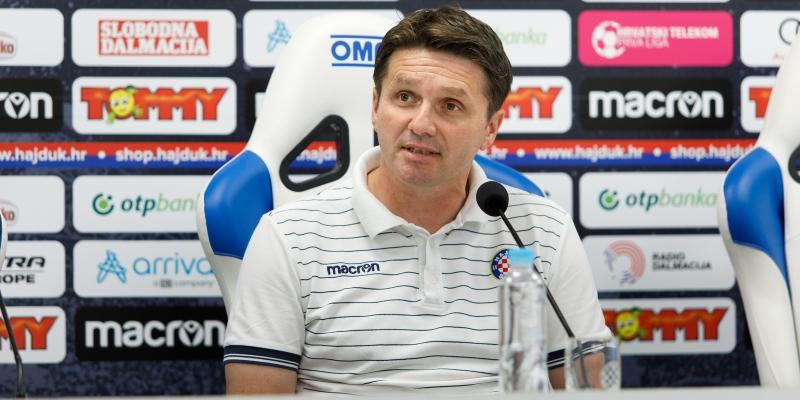 Konferencija za novinare trenera Oreščanina na početku priprema