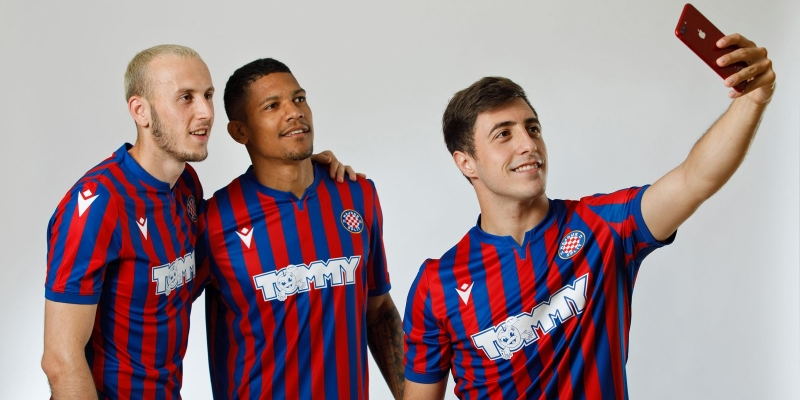 This is how the new away kit looks on our players!