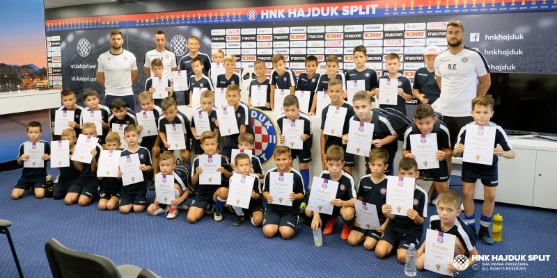 Hajduk Summer Football School: Mini turnir i dodjela diploma za polaznike na kraju prvog tjedna