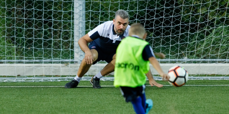 Stipe Pletikosa surprised young footballers attending HNK Hajduk Summer Football School