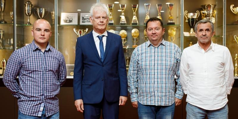 Potpisano produženje poslovno-sportske suradnje između HNK Hajduk i NK Varteks