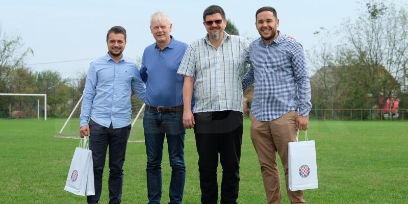 Delegacija Bijelih uoči utakmice u Petrinji posjetila ŠNK Hajduk Sela