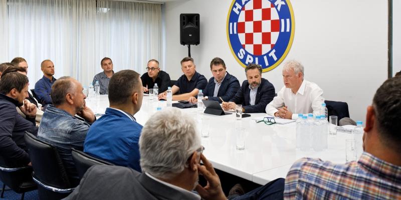 Na Poljudu održan sastanak Hajduka, županijskih drugoligaša i trećeligaša te NSŽSD