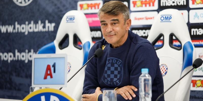 Konferencija za medije trenera Burića uoči Hajduk - Varaždin