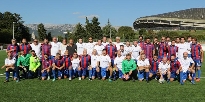 Veterani HNK Hajduk i splitski liječnici odigrali prijateljsku utakmicu na Poljudu