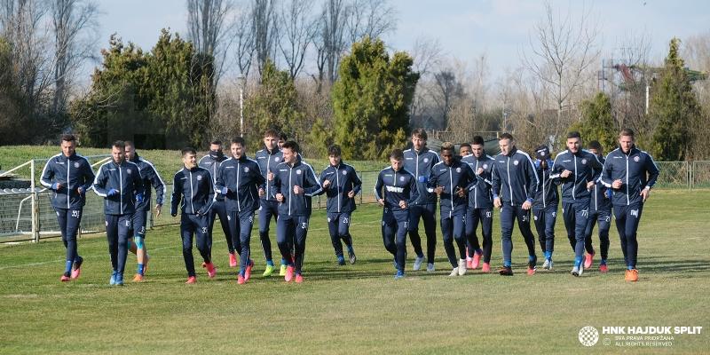 Pre-match training in Osijek
