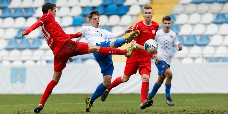 Dugopolje: Hajduk II - Croatia Zmijavci 2:4