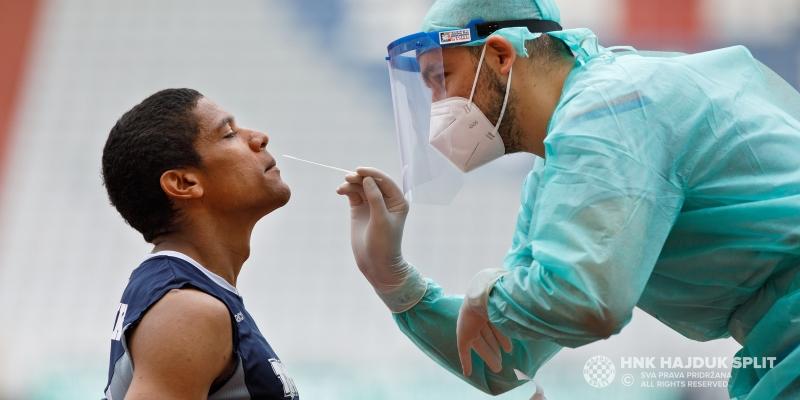 Hajdukovcima uzeti brisevi u sklopu testiranja na SARS-CoV-2 virus
