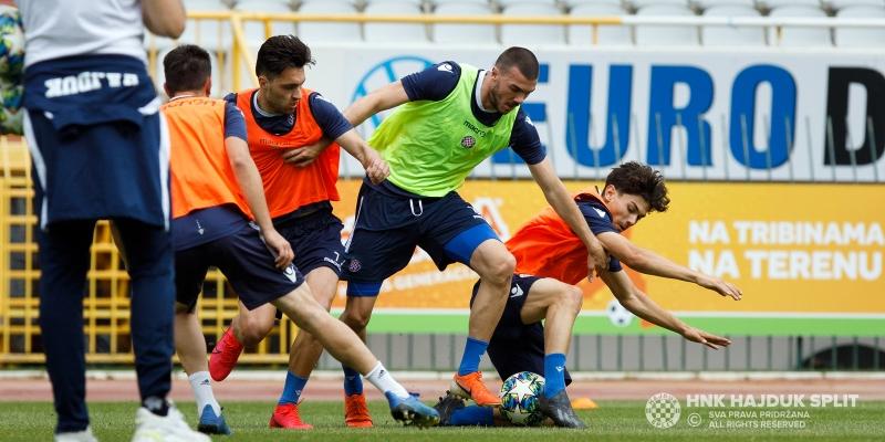 Današnjim treningom Bijeli zaključili prvi tjedan zajedničkih treninga...
