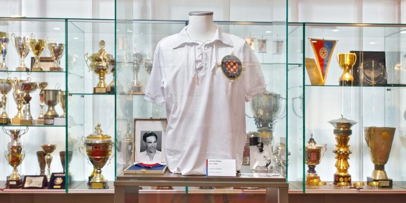 U Trofejnom salonu otvorena vitrina legendarnog Ljubomira Kokeze