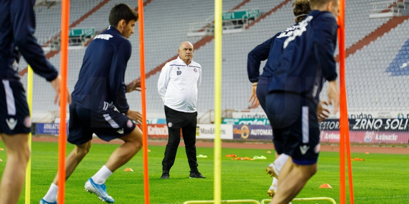 Nogometaši Hajduka odradili prvi trening pod vodstvom trenera Bore Primorca