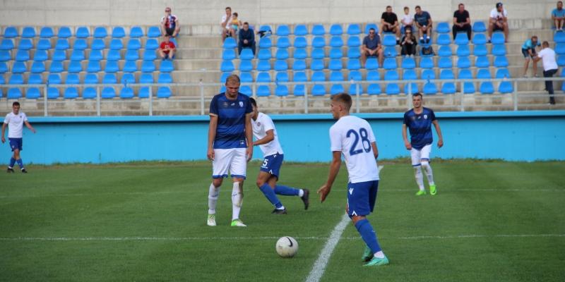 Juniori igraju prijateljsku utakmicu u Pločama
